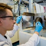 006_aalto_university_chem_organic_electrode_coating_microbatteries_18-3-2015_photo_mikko_raskinen_jpg.jpg
