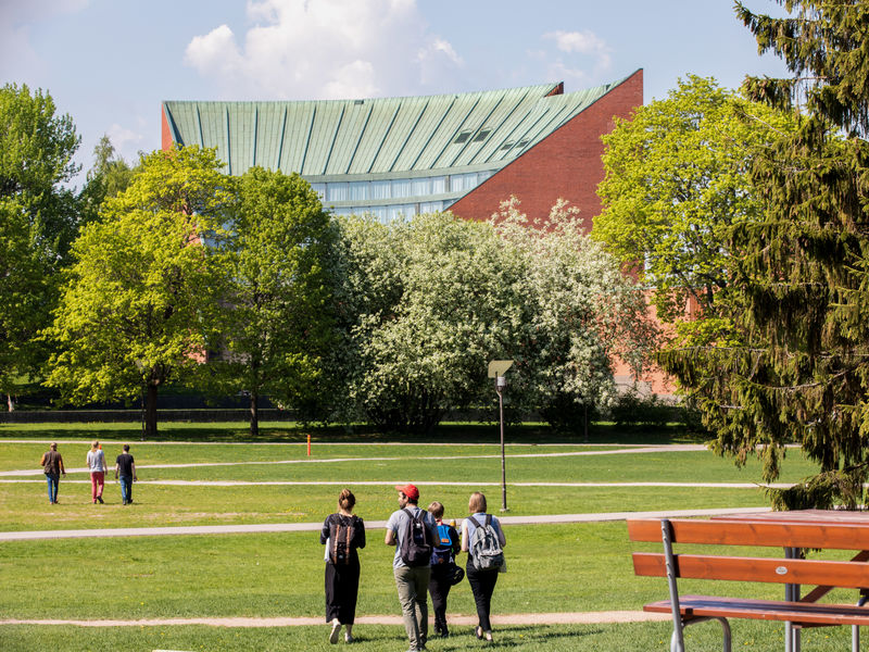 Aalto University Otaniemi Campus in Summer / Photo by Aalto University, Mikko Raskinen