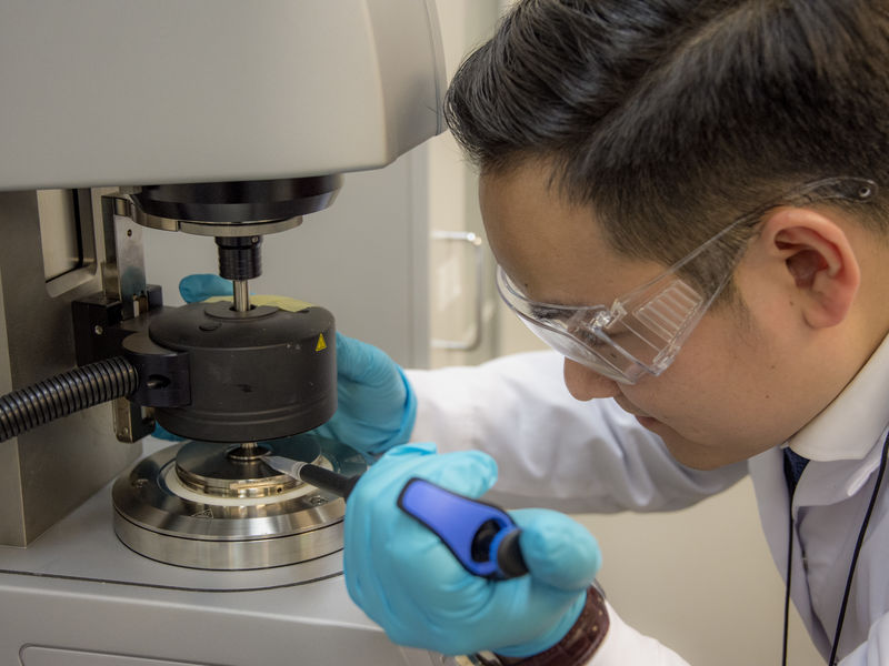 Feng Chen in the lab. Photo by Valeria Azovskaya