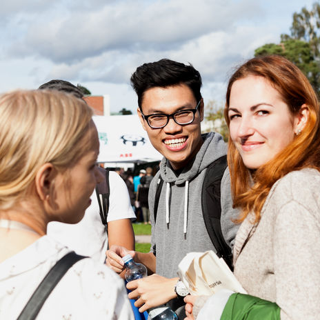Aalto University students at Aalto Party during the opening of the Academic Year. Photo by Aalto University / Aino Huovio