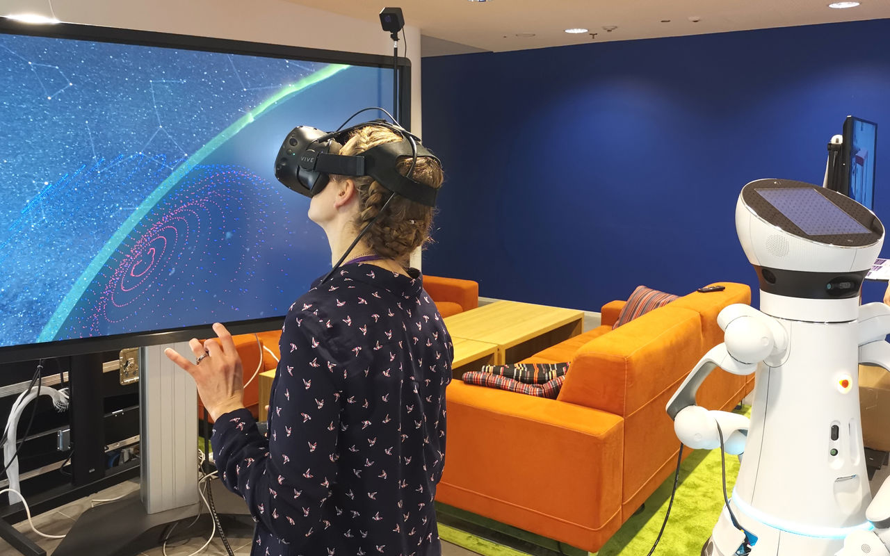 virtual space journey and a robot in aalto elec research winter day 2019