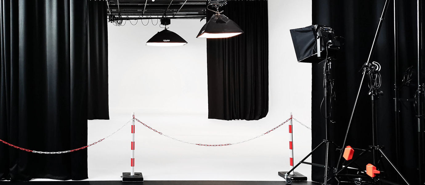 Image of the Aalto ARTS photography studio by Antti Huittinen
