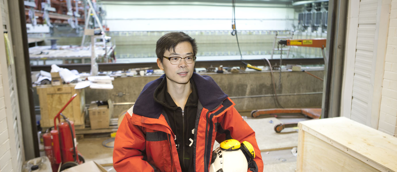 Doctoral student Lu Liangliang in Aalto Ice Tank