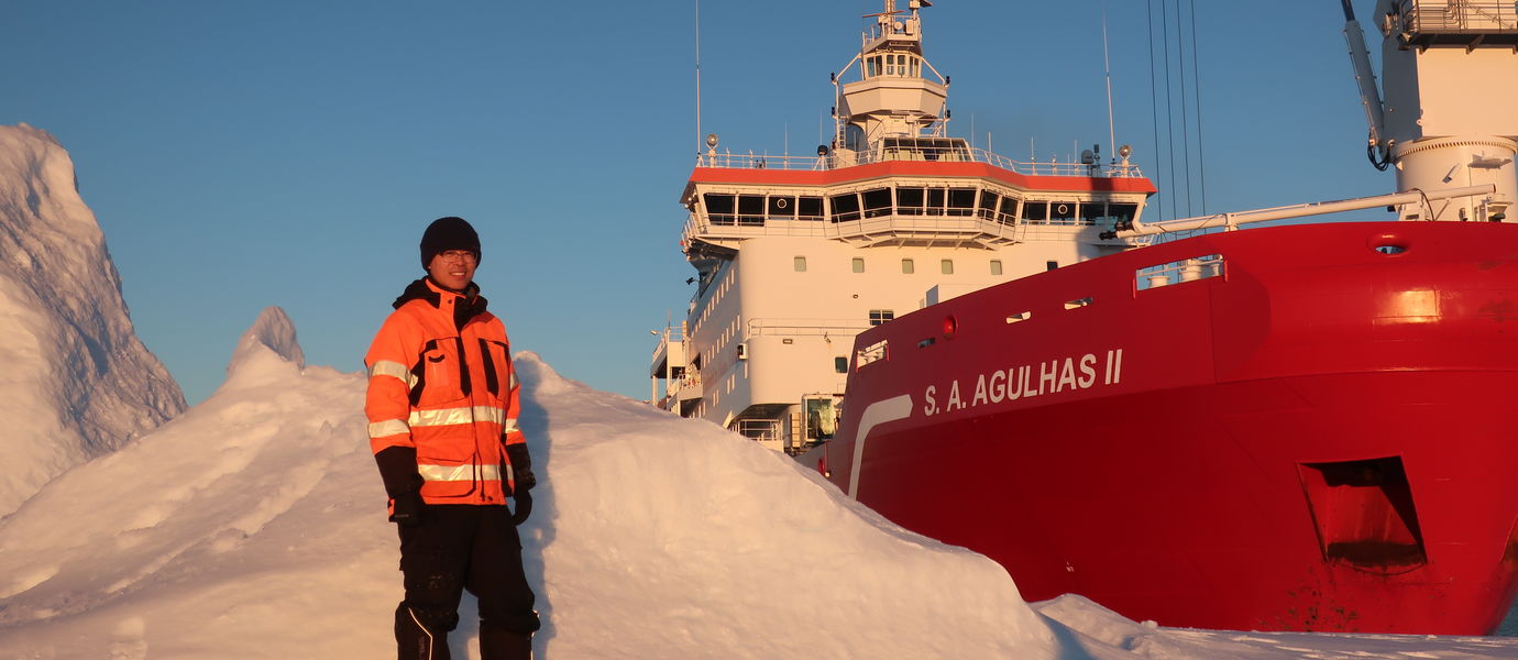 Lu Liangliang and S.A. Agulhas II in the Antarctica