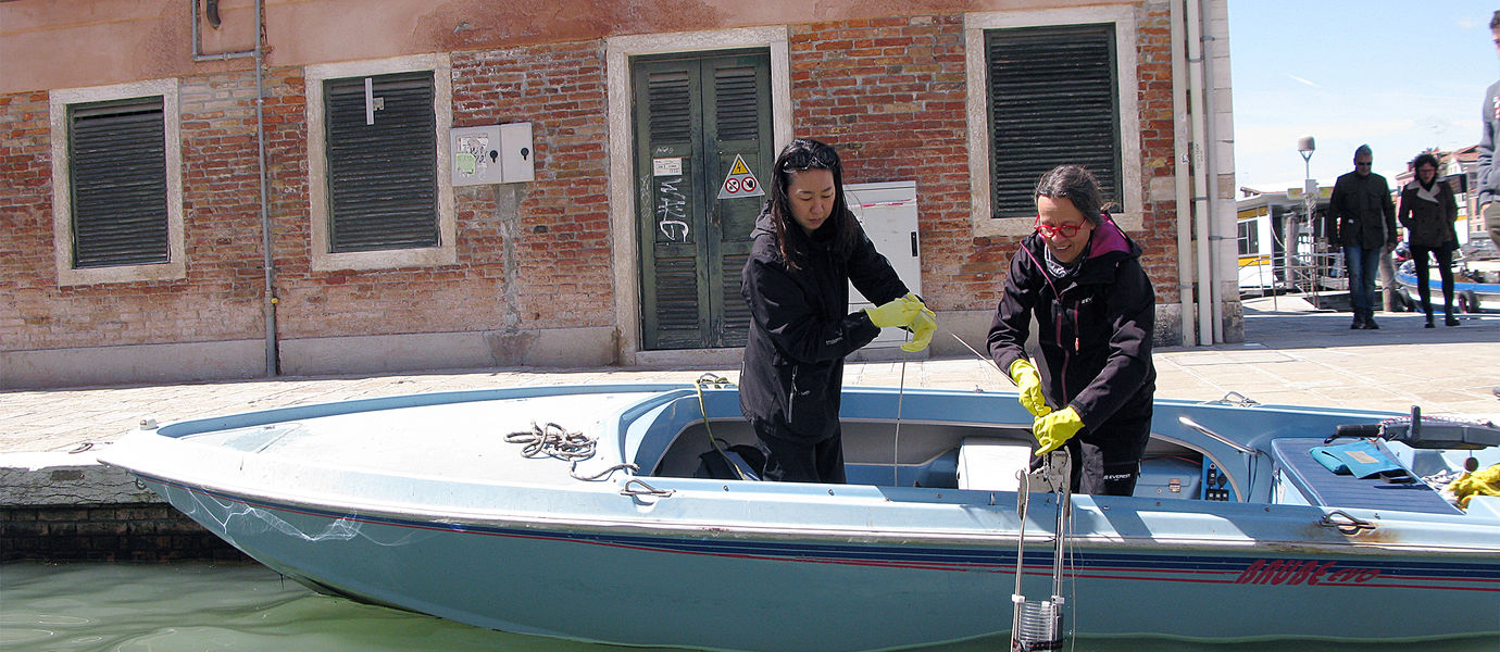 Sediment sampling in the historical centre of Venice with the Limnos sampler provided by the Finnish Environmental Institute SYKE. Image: Pauliina Purhonen