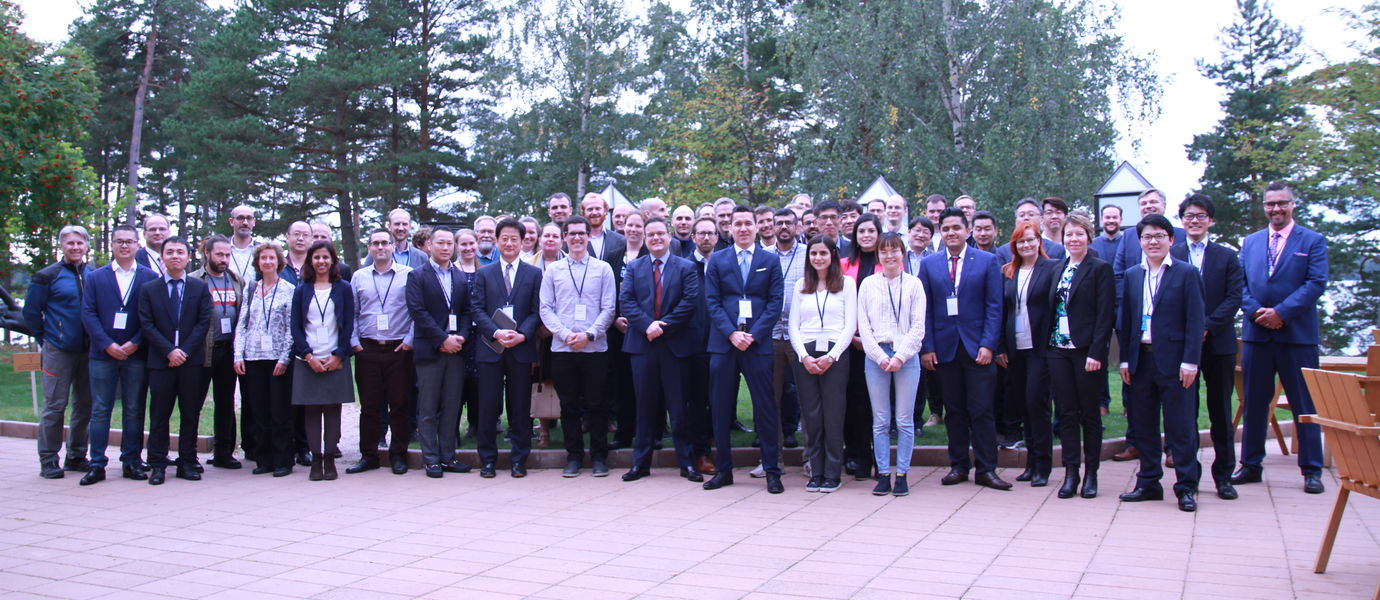 ISSAV/ESWC 2019 attendees pose for a group photo.