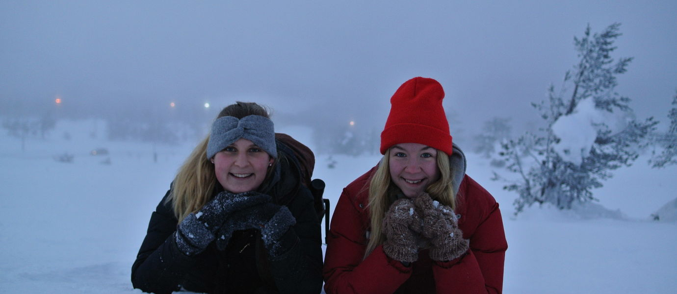 Helena Egge (left) and Elna Sahlman, current CEMS Club Helsinki President in the beautiful fell scenery of Levi