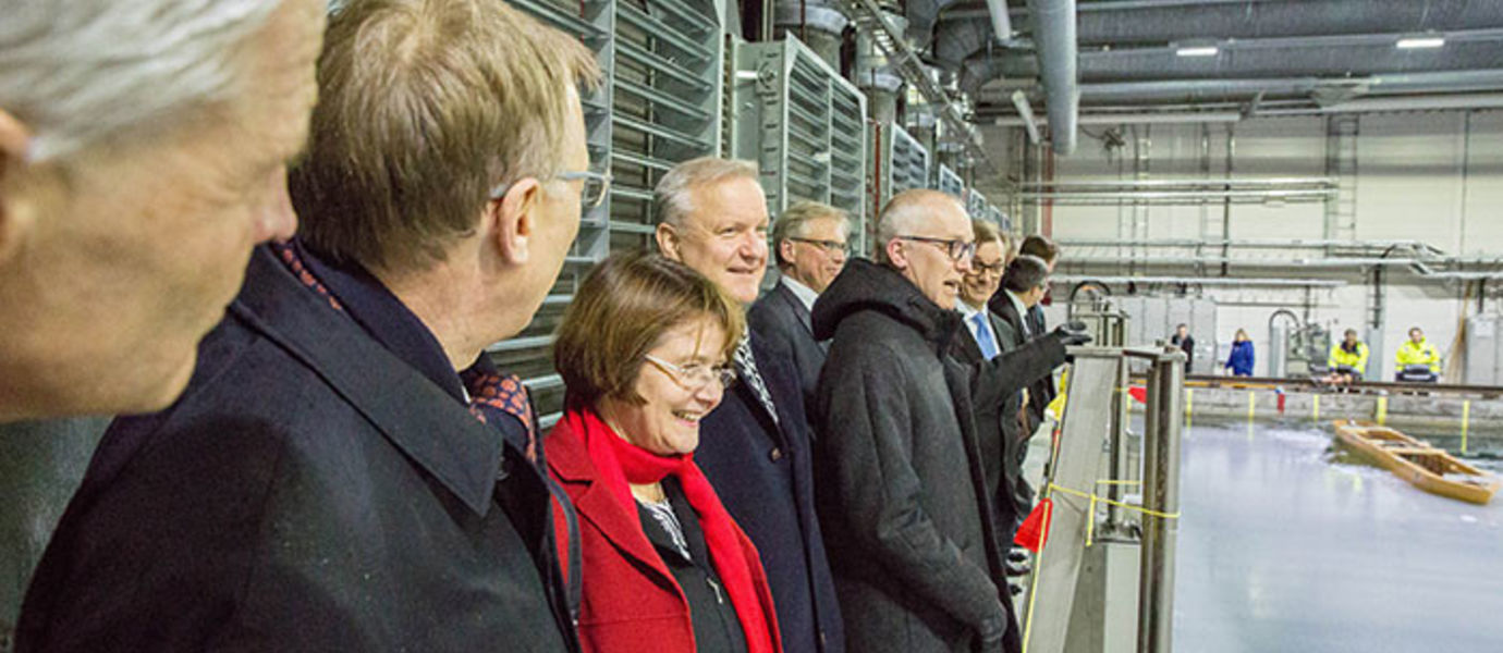 The guests at the opening ceremony were the first to see the glacial and renovated ice tank. Photograph Mikko Raskinen / Aalto University.