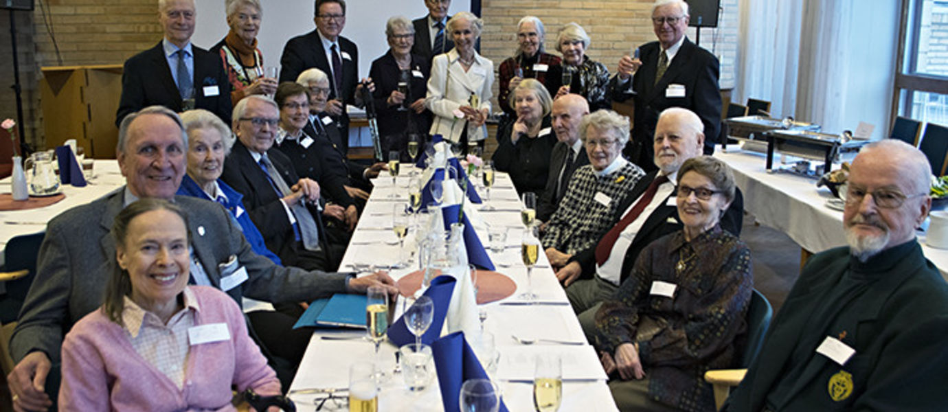 The class of 1952 has lunch together once a year.