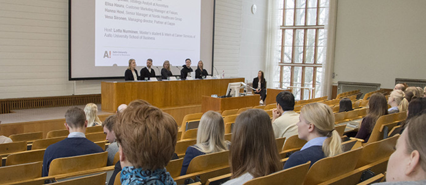 The panelists were Elisa Hauru, Hanna Hovi, Eino Joas, Sara Reponen and Vesa Sironen. The panel was moderated by Lotta Nurminen, a master's student and trainee in the External Relations unit.