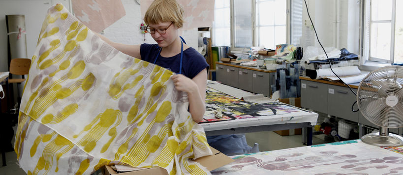 aalto-art-girl-fabric-design