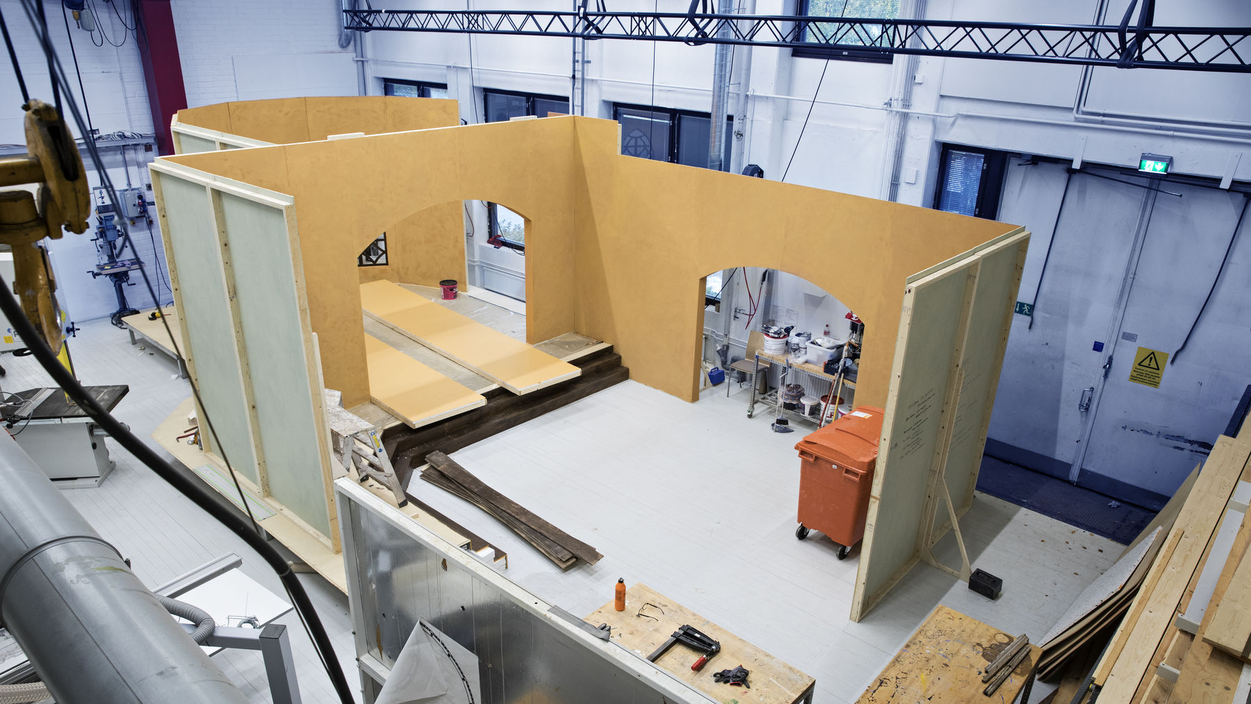 Build, weld or paint in a large, multi-purpose space