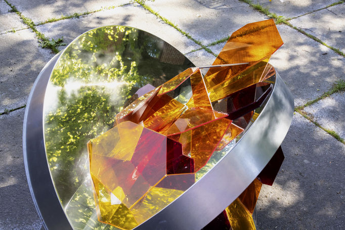 Crystal Flowers exhibition Collineation Grounds The Dragonfly. Photo Mikko Raskinen.