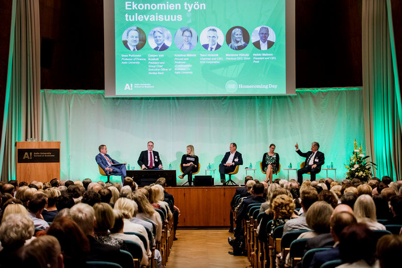Homecoming Day 31.8.2018 panel discussion. From the left: Vesa Puttonen, Taavi Heikkilä, Marianne Vikkula, Heikki Malinen, Kristiina Mäkelä ja Casper von Koskull.