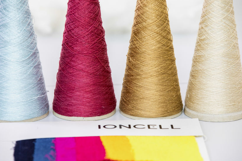 Ioncell thread on four different colors