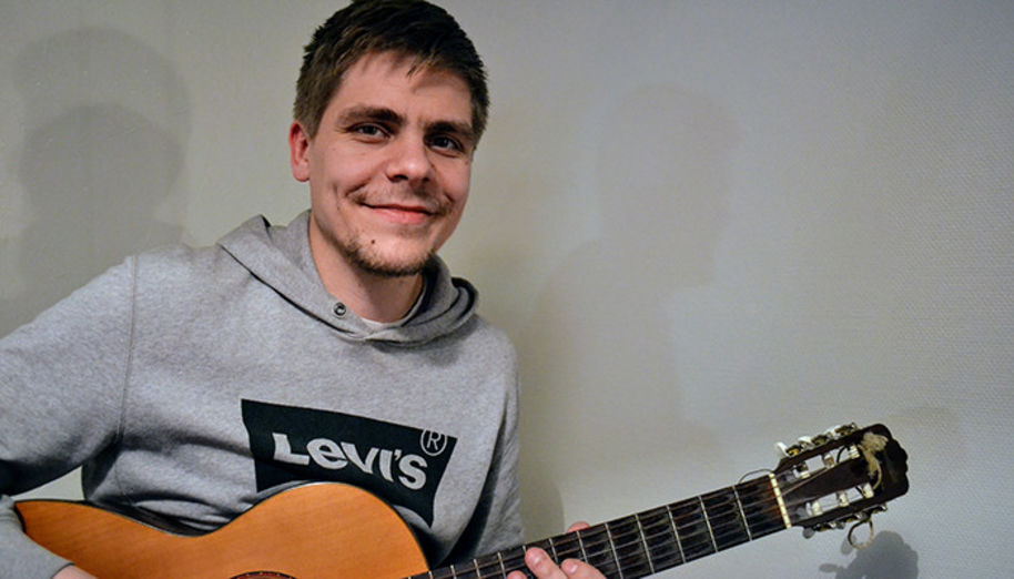 In his free time Eero-Pekka plays the guitar and produces music.