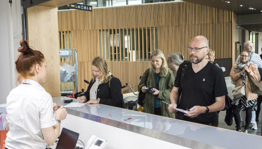 The atmosphere at Aalto University School of Arts, Design and Architecture is festive as the first employees received their keys to the new building. Image: Aalto University/Mikko Raskinen