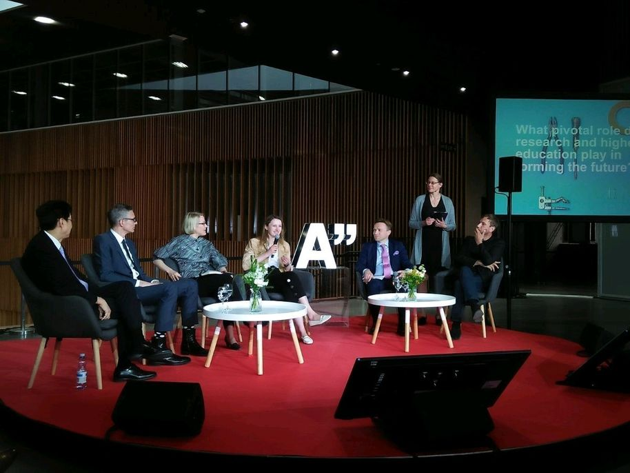 A panel discussion in a Vision Forum event where CS student Viktorija presented the Customized Student Project.