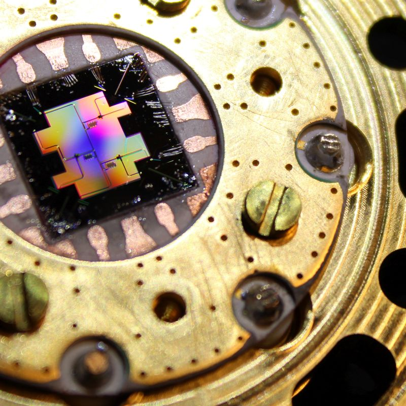 quantum microchip on sample stage